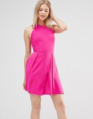 Adelyn Rae Короткое приталенное платье с решеткой из лямок на спине. Цвет: розовый