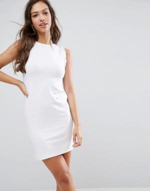 ASOS Платье-майка мини с перекрученной проймой. Цвет: белый