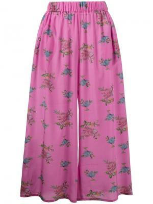 Широкие кюлоты с цветочным принмто Natasha Zinko. Цвет: розовый и фиолетовый