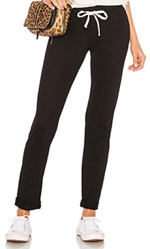 Спортивные брюки foldover MONROW. Цвет: черный