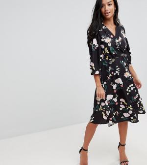 Uttam Boutique Petite Платье с запахом и цветочным принтом. Цвет: мульти