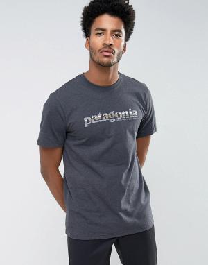 Patagonia Серая меланжевая футболка классического кроя с принтом. Цвет: серый