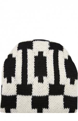 Вязаная шапка с узором Tak.Ori. Цвет: черно-белый