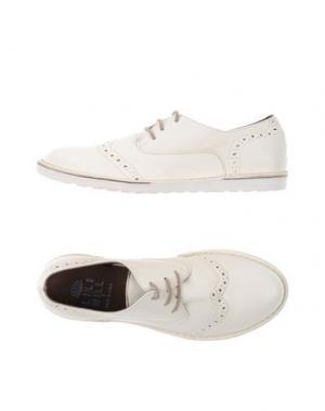 Обувь на шнурках LILIMILL. Цвет: белый