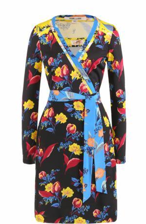 Шелковое платье с запахом и принтом Diane Von Furstenberg. Цвет: разноцветный
