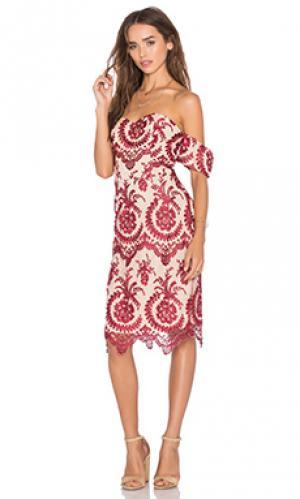 Платье beaux NBD. Цвет: красный