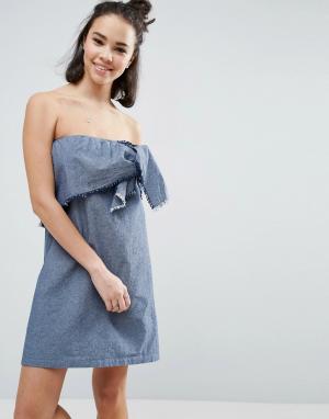 ASOS Выбеленное синее джинсовое платье без бретелей с декоративным узлом AS. Цвет: синий