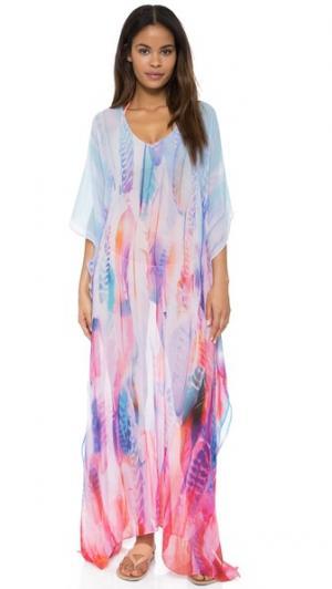 Длинный восточный халат в стиле пончо с принтом виде перьев Lotta Stensson. Цвет: перья пастельного цвета