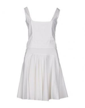 Короткое платье JO NO FUI. Цвет: белый