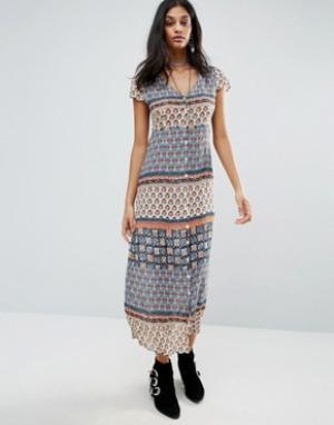 Raga Платье с принтом. Цвет: мульти