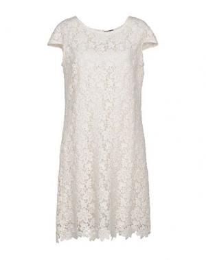 Короткое платье CHARLOTT. Цвет: слоновая кость