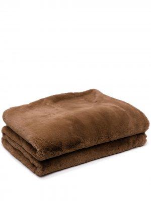 Одеяло Shirley из искусственного меха Apparis. Цвет: коричневый
