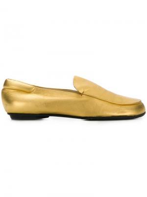 Лоферы с круглым носком Prada Pre-Owned. Цвет: золотистый