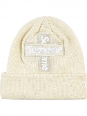 Шапка бини New Era Cross Box Logo Supreme. Цвет: белый