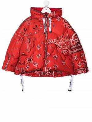 Bandana-print down jacket Khrisjoy KIDS. Цвет: красный