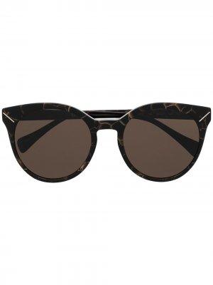 Солнцезащитные очки в оправе кошачий глаз Yohji Yamamoto. Цвет: коричневый