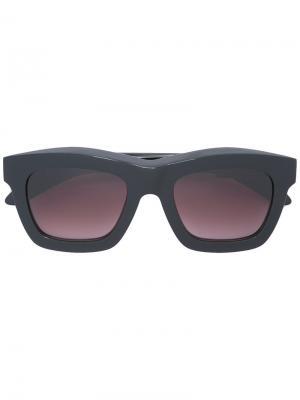 Солнцезащитные очки с квадратной оправой Kuboraum. Цвет: черный