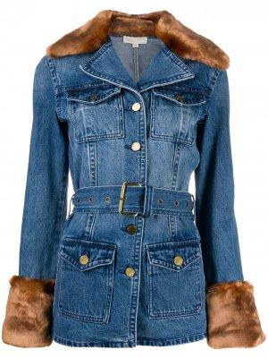 Джинсовая куртка с отделкой из искусственного меха Michael Kors. Цвет: синий