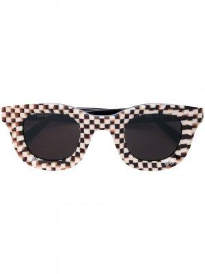 Солнцезащитные очки Rhodeo из коллаборации с Rhude Thierry Lasry. Цвет: коричневый