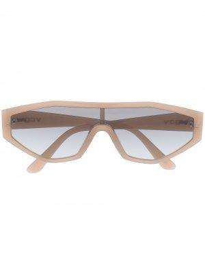 Солнцезащитные очки Yola из коллаборации с Gigi Hadid Vogue Eyewear. Цвет: нейтральные цвета