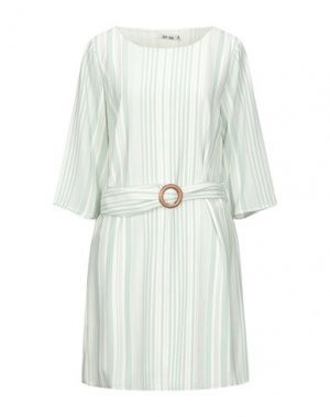 Короткое платье DRY LAKE.. Цвет: светло-зеленый