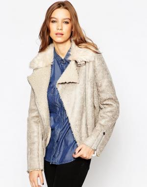 Куртка-пилот с меховым воротником Urbancode. Цвет: frozen and lambsy