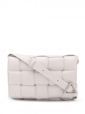 Сумка через плечо с плетением Intrecciato Bottega Veneta. Цвет: белый