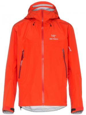 Куртка BETA LT с капюшоном Arc'teryx. Цвет: желтый