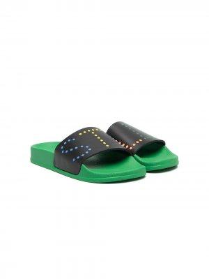 Rainbow studded slides Stella McCartney Kids. Цвет: зеленый