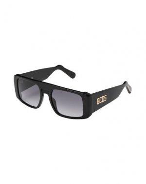 Солнечные очки GCDS. Цвет: черный