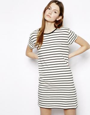 Полосатое платье-футболка Denham. Цвет: белый/черный