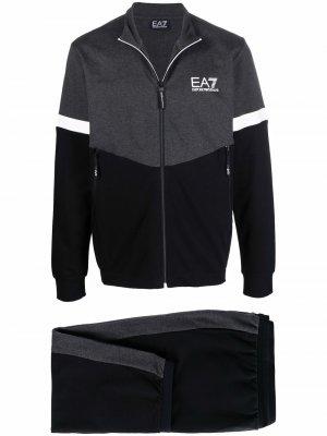Спортивный костюм со вставками Ea7 Emporio Armani. Цвет: черный