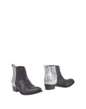 Полусапоги и высокие ботинки GOLDEN GOOSE DELUXE BRAND. Цвет: темно-фиолетовый