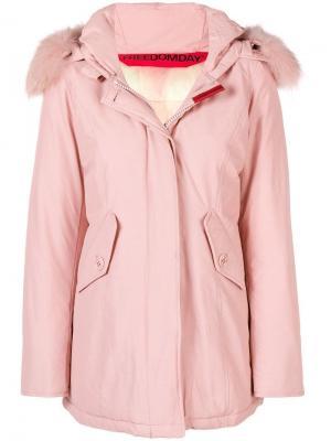 Дутая куртка с капюшоном Freedomday. Цвет: розовый