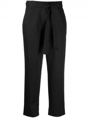 Укороченные брюки с баской Maison Flaneur. Цвет: черный