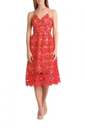 Кружевное платье Apart. Цвет: красный, бежевый