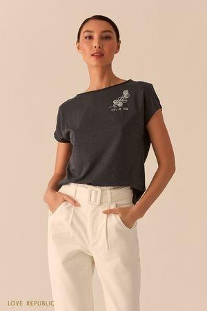 Базовая свободная футболка с лаконичным принтом LOVE REPUBLIC