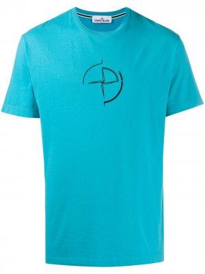 Футболка узкого кроя с вышитым логотипом Stone Island. Цвет: синий