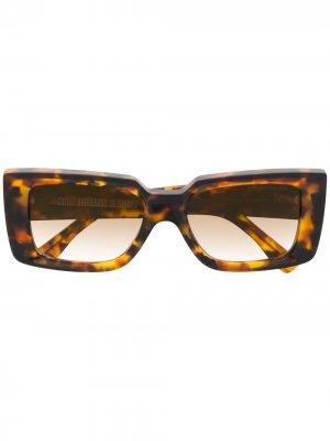 Солнцезащитные очки черепаховой расцветки с затемненными линзами Cutler & Gross. Цвет: коричневый
