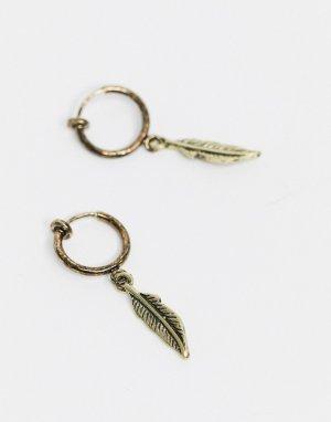 Золотистые серьги-кольца с подвесками в виде перьев -Золотой ASOS DESIGN