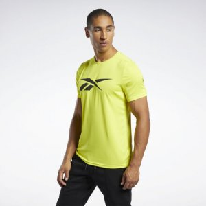 Футболка WOR POLY GRAPHIC SS TEE Reebok. Цвет: hero yellow