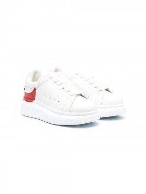 Массивные кроссовки с графичным принтом Alexander McQueen Kids. Цвет: белый