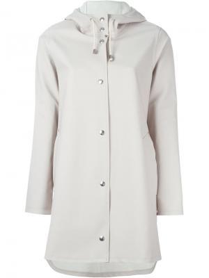 Пальто с капюшоном Stutterheim. Цвет: нейтральные цвета