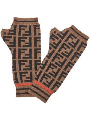 Перчатки-митенки с логотипом FF Fendi. Цвет: коричневый