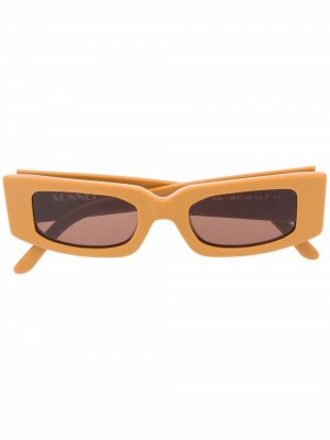 Солнцезащитные очки в квадратной оправе Sunnei. Цвет: коричневый