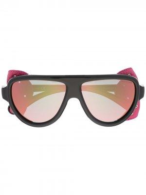 Солнцезащитные очки со съемными шорами Moncler Eyewear. Цвет: черный