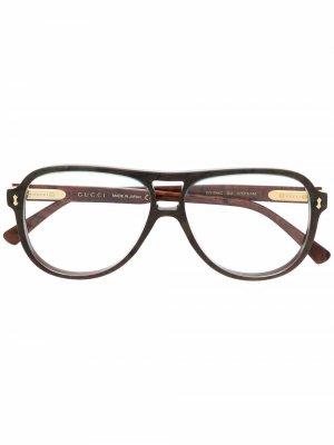 Очки в массивной оправе Gucci Eyewear. Цвет: зеленый