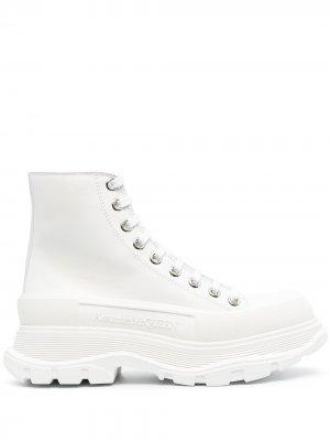 Ботинки на массивной подошве Alexander McQueen. Цвет: белый