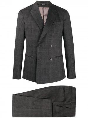 Клетчатый костюм с двубортным пиджаком Z Zegna. Цвет: серый