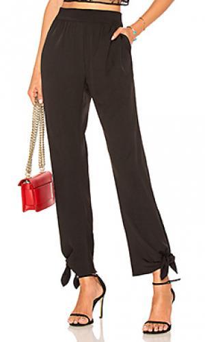 Зауженные брюки slim Halston Heritage. Цвет: черный